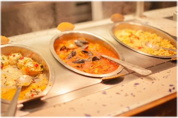 学生寮と食事