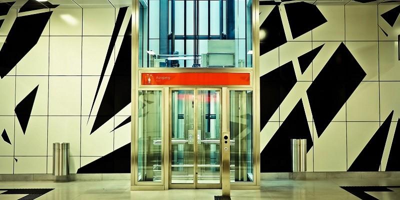 エレベーターでの犯罪